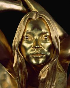 """Marc Quinn's sculpture """" Siren"""", 2008, gold 18K, with the appereance of Kate Moss"""