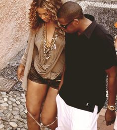Beyonce and Jay Z.... One day im goin find my Queen B