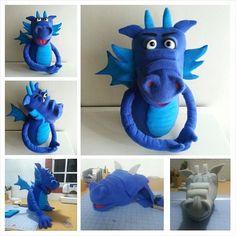 """Dragon 20 """" made of high density foam , fleece lining , articulated fingers - Puppet Lara"""