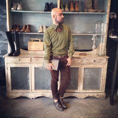 #streetstyle desde mi @brandelier querido, zapatos pantalón y camisa ZARA, clutch Samsonite collar vintage!