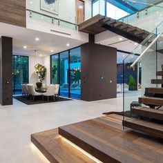 Contemporary house designs have a whole lot to use to a modern resident. Finally, the modern house architecture does not restrict creative minds at all. Cool House Designs, Modern House Design, Home Modern, Ultra Modern Homes, Modern House Facades, Modern Loft, Dream Home Design, Home Interior Design, Interior Ideas