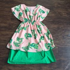 Flamingo and leaf dress. Has a slip under. Dresses Midi