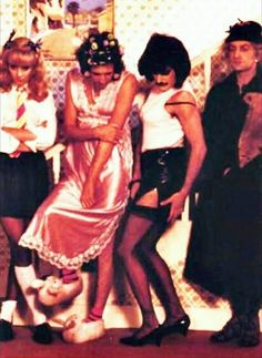 "QUEEN - Freddie Mercury, Brian May, Roger Taylor & John Deacon - from the ""I want to break free"" Music Video Queen Photos, Queen Pictures, Brian May, John Deacon, I Am A Queen, Save The Queen, Queen Ii, Britney Spears, Musica Love"