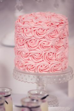 What a wonderful rose birthday cake perfect for a French Parisian girl birthday!