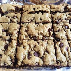 Weight Watchers Chocolate Chip Cookie Bars with Yellow Cake Mix, Egg Beaters, Canned Pumpkin, Chocolate Chip, Vanilla. Weight Watcher Desserts, Weight Watchers Meals, Weight Watchers Brownies, Weight Watcher Cookies, Keto Chocolate Chip Cookies, Oatmeal Chocolate Chip Cookies, Vanilla Cookies, Keto Cookies, Low Calorie Cookies