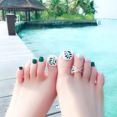 Want some ideas on spring toe nails design? Then check out these beautiful toe nails design ideas. Pretty Toe Nails, Cute Toe Nails, Pretty Toes, My Nails, Hair And Nails, Pedicure Designs, Pedicure Nail Art, Toe Nail Designs, Toe Nail Color