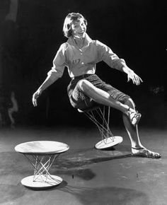 The North Elevation: Flashback: Isamu Noguchi's Rocking Stool Isamu Noguchi, Japanese American, Charles Eames, George Nelson, Stage Set, American Artists, Ceramic Art, Furniture Design, Statue