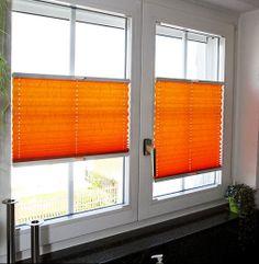 pomarańczowe żaluzje plisowane - plisy - plisy do kuchni - inspiracja kolorami - osłony na okna - plisy jak ze strony http://sklepzoslonami.pl/systemy-oslonowe/plisy.html