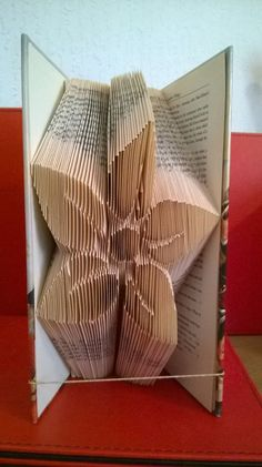 Book folding pattern for a Pretty flower by BookFoldingForever