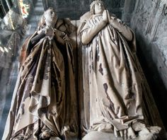 Lady Joan Neville and her husband, the Earl of Arundel. Joan was a daughter of Sir Richard Neville, 5th Earl of Salisbury and Lady Alice Montacute, suo jure 5th Countess of Salisbury. Her siblings included Richard Neville, 16th Earl of Warwick ('the Kingmaker') and Lady Alice FitzHugh (paternal great-grandmother of Queen Kateryn Parr).