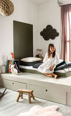 Montessori-Bett: seine Vorteile und das Erwecken der Sinne Montessori bed: its advantages and the aw Baby Room Curtains, Kids Curtains, Baby Bedroom, Girls Bedroom, Bedroom Green, Bedroom Colors, Curtains Living, Master Bedrooms, Project Nursery