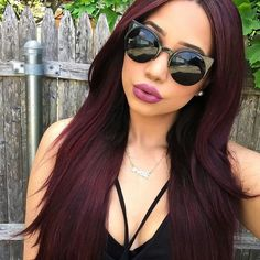 dark red hair with brown . dark red hair with highlights . Hair Lights, Light Hair, Dark Hair, Dark Maroon Hair, Wig Hairstyles, Straight Hairstyles, Curly Haircuts, Pelo Color Borgoña, Cabelo Rose Gold