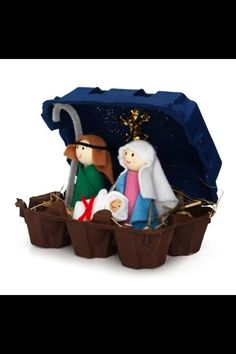 Nativity crafts made of egg carton Preschool Christmas, Noel Christmas, Christmas Activities, Christmas Crafts For Kids, Christmas Projects, Holiday Crafts, Christmas Gifts, Christmas Decorations, Christmas Ornaments