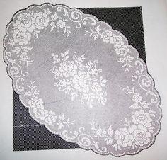 Marifet iltifâta tâbidir.. Free Crochet Doily Patterns, Crochet Doilies, Crochet Lace, Crochet Books, Thread Crochet, Crochet Toddler Dress, Fillet Crochet, Crochet Table Runner, Knitted Blankets