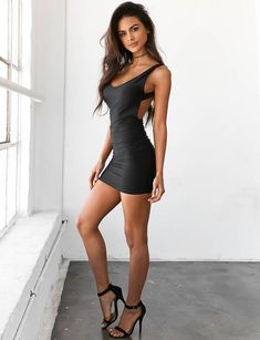 Just hot, beautiful girls in sexy outfits :) Beautiful Legs, Gorgeous Women, Beautiful Beach, Tight Dresses, Sexy Dresses, Tight Skirts, Party Dresses, Clubbing Dresses, Pleated Dresses