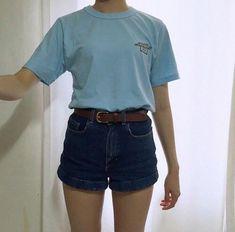 90's style is back! เสื้อยืด ยีนส์ กับผ้าใบ ยังไงก็ชิค!