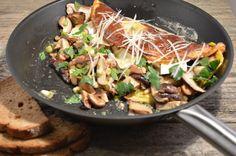 Omelet met paddenstoelen en brie