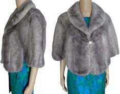 Gorgeous Silver Mink Stole / Blue Iris / Kronenfeld Furs / Size S to Small Medium / Wrap / Cape / Real Fur / 1950s Party Dresses, Vintage 1950s Dresses, Vintage Outfits, Mink Stole, Vintage Fox, Vintage Clothing Stores, Circle Dress, Fox Fur Coat, Old Hollywood Glamour