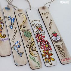Summer themed bookmarks for your books on vacation. Wood Burning Crafts, Wood Burning Patterns, Wood Burning Art, Creative Bookmarks, Diy Bookmarks, Craft Stick Crafts, Wood Crafts, Popsicle Stick Art, Book Markers
