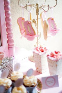 Hanging slipper cookies
