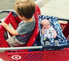 """#MOMWIN for @willow_adelaide """"I made through my first solo grocery experience with both boys intact.  It was actually strangely easy, because Mal loves the store and Teddy fell asleep in his @shopbinxy"""" #shopbinxy #binxybaby #groceryshopping #shoppinghammock"""