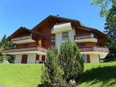 """Le Miclivier B7 - Apartment - VILLARS - Switzerland - 1011 CHF """"Le Miclivier B7"""", 3-room penthouse 70 m2, on the top floor. Comfortable and wooden furniture furnishings: living/dining room with open-hearth fireplace, TV and DVD. Exit to the balcony. 1 room with s"""