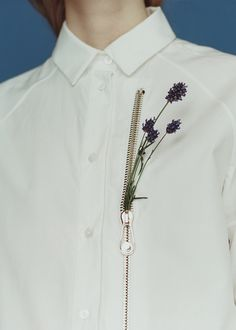 On White Shirts & Wild Flowers for T Magazine,The New York Times Style Magazine (Cocoladas) Embroidery Fashion, Embroidery Ideas, Fashion Details, Fashion Design, White Shirts, White Blazers, New York Times, Refashion, Shirt Outfit
