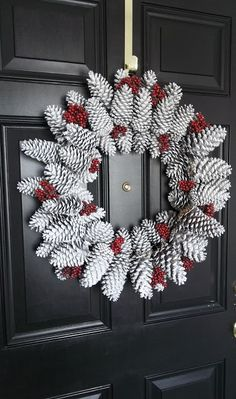 Vintage, Paint and more...: Pinecone Wreath DIY With Tutorial