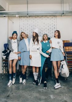 korean fashion similar look twin blue pastel cute dress hat casual Korean Street Fashion, Korea Fashion, Asian Fashion, Look Fashion, Girl Fashion, Fashion Outfits, Fashion Trends, Sneakers Fashion, Fashion Ideas