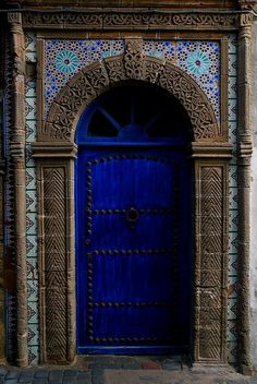 Essaouira, Morocco. One of my favourite places that I've travelled to to date.. The city of yellow and blue! When One Door Closes, Architecture, Blue City Morocco, Greek Blue, Blue Doors, Cool Doors, Unique Doors, Door Knockers, Door Knobs