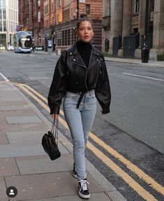 Winter Fashion Outfits, Fall Winter Outfits, Look Fashion, Spring Outfits, Fashion Black, Fashion Beauty, Womens Fashion, Fashion Design, Cute Casual Outfits