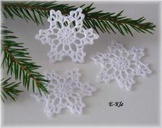 Snowflake garland nr 4 pattern by Anabelia Handmade Chevron Crochet Patterns, Crochet Snowflake Pattern, Crochet Snowflakes, Crochet Motif, Crochet Flowers, Christmas Crochet Blanket, Crochet Christmas Ornaments, Christmas Crochet Patterns, Christmas Crafts