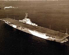 80-G-298092: USS Bennington (CV 20), December 13, 1944. Stern view at 700 feet. U.S. Navy Photograph, now in the collections of the National Archives.