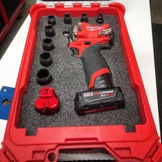 If you have a definitive place that your tools rest, the chances are much less likely that you will lose or misplace them! All Tools, Work Tools, Tool Organization, Tool Storage, New Milwaukee Tools, Garage Atelier, Tool Board, Cordless Tools, Kaizen