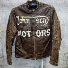I absolutely love this vintage jacket! Motos Vintage, Vintage Biker, Vintage Leather Jacket, Biker Leather, Leather Men, Leather Jackets, Harley Davidson Merchandise, Motorcycle Outfit, Motorcycle Jackets