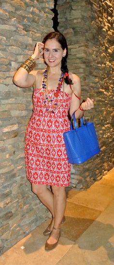 July 9, 2013 http://www.akeytothearmoire.com/post/54998225261/red-white-blue-and-gold #re #white #cobalt blue #gold #brass bangles #Amrita Singh #Innue #J. Crew Factory #strapless dress #ikat #pierced bag #gold ankle strap flats #Bakelite #Ferrari #Longines #side braid #fireworks