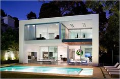 Fabulous Contemporary Pool Home Design