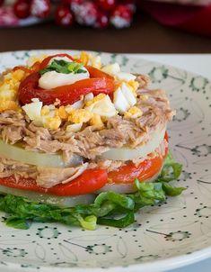 Tuna, eggs and pepper salad Salada Light, Best Tuna Salad Recipe, Clean Recipes, Healthy Recipes, Detox Diet Drinks, Good Food, Yummy Food, Casserole Recipes, Appetizer Recipes