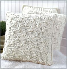 Description Aran Pillows to Crochet is a fresh collection of home accessories in a classic style perfect for every kind of decor! Becky Stevens designed the seven crochet patterns with plenty of inte Crochet Pillow Cases, Crochet Cushion Cover, Crochet Cushions, Knit Pillow, Knitting Patterns, Crochet Patterns, Blanket Patterns, Crochet Ideas, Crochet Cable