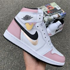 2019 Air Jordan 1 Retro High OG White Pink Black For is part of Jordan shoes black - Jordan Shoes Girls, Girls Shoes, Ladies Shoes, Cool Shoes For Girls, Michael Jordan Shoes, Shoes Women, Zapatillas Nike Jordan, Jordan Tenis, Air Jordan Sneakers