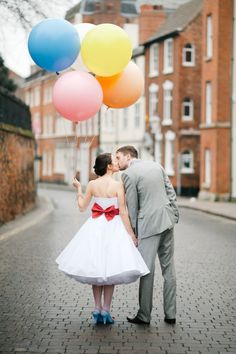 cute photo of couple with balloons