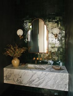 Bathroom Inspiration, Home Decor Inspiration, California Decor, Urban Electric, Powder Room Design, Stone Slab, Interiors Magazine, Beautiful Bathrooms, Bathroom Interior Design