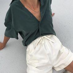 55 fascinating vintage outfit ideas to looks classic 5 Skandinavian Fashion, Looks Style, Style Me, Look Fashion, Fashion Outfits, 80s Fashion, Fashion Fashion, Trendy Fashion, Korean Fashion
