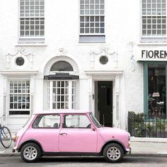 London Portobello Road Pink Car Travel por TarynStMichele en Etsy