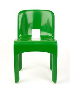 Extraordinary Stories about Ordinary Things: Universale stacking chair designed by Joe Colombo Chair Design, Furniture Design, Fashion Through The Decades, Stacking Chairs, Design Museum, Icon Design, Stool, Objects, Classic