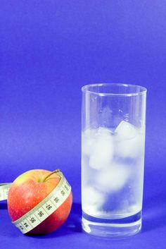 to Get Rid of Water Retention Fast Water weight. Good Article for Losing Water Weight. Good Article for Losing Water Weight. Fat Burning Water, Fat Burning Diet, Fat Loss Diet, Weight Loss Diet Plan, Easy Weight Loss, Healthy Weight Loss, How To Lose Weight Fast, Reduce Weight, Lose Fat