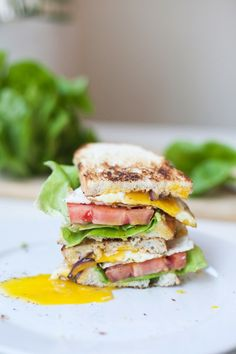 """BLT with Fried Egg and Fat Free Chipotle """"Mayo"""" - Lillie Eats and Tells Clean Eating Diet, Clean Eating Recipes, Healthy Eating, Eating Well, Chipotle Mayo, Chipotle Recipes, Healthy Dinner Recipes, Healthy Snacks, Breakfast"""