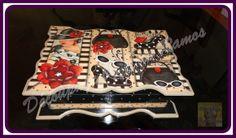 Porta Joia com varias divisorias e aneleira Um lindo presente para um pessoa querida, ou simplesmente para decorar seu cantinho. R$ 60,00