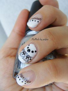 PinNails: Chic Nails Black & White http://pinnails.blogspot.com/2013/03/chic-nails-black-white.html?m=1