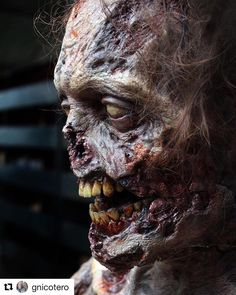 Repost from @gnicotero Zombie animatronic puppet from a few seasons back. Looking forward to San Diego next week Season 8 trailer is KILLER!!!!!! #tbt #thewalkingdead #knbefxgroup @amcthewalkingdead